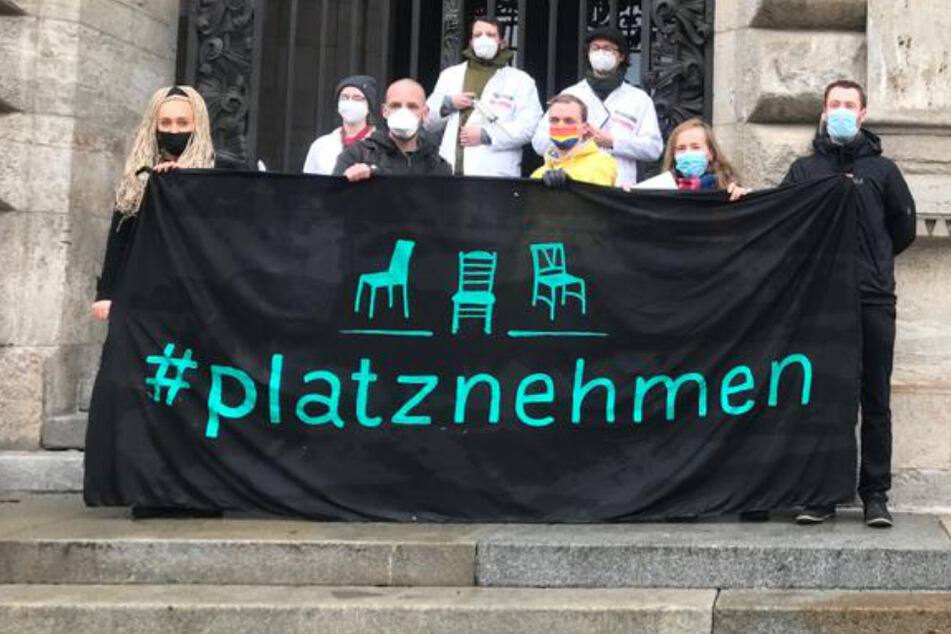 Leipzig: Großer Demo-Tag in Leipzig: Autokorsos und Gegen-Proteste sorgen für Ausnahmezustand