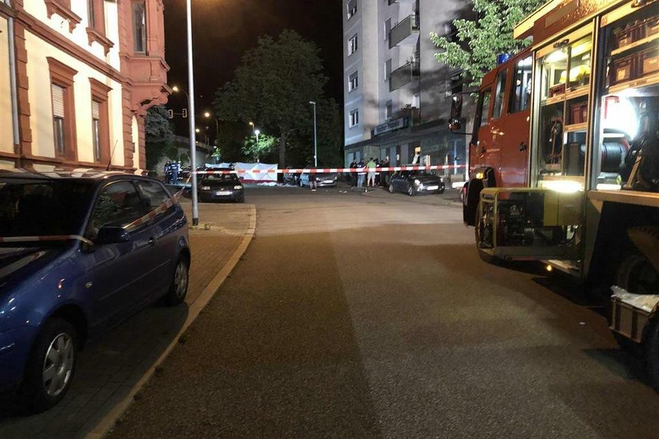 Ein Mensch starb bei dem Unfall, sechs weitere wurden verletzt.