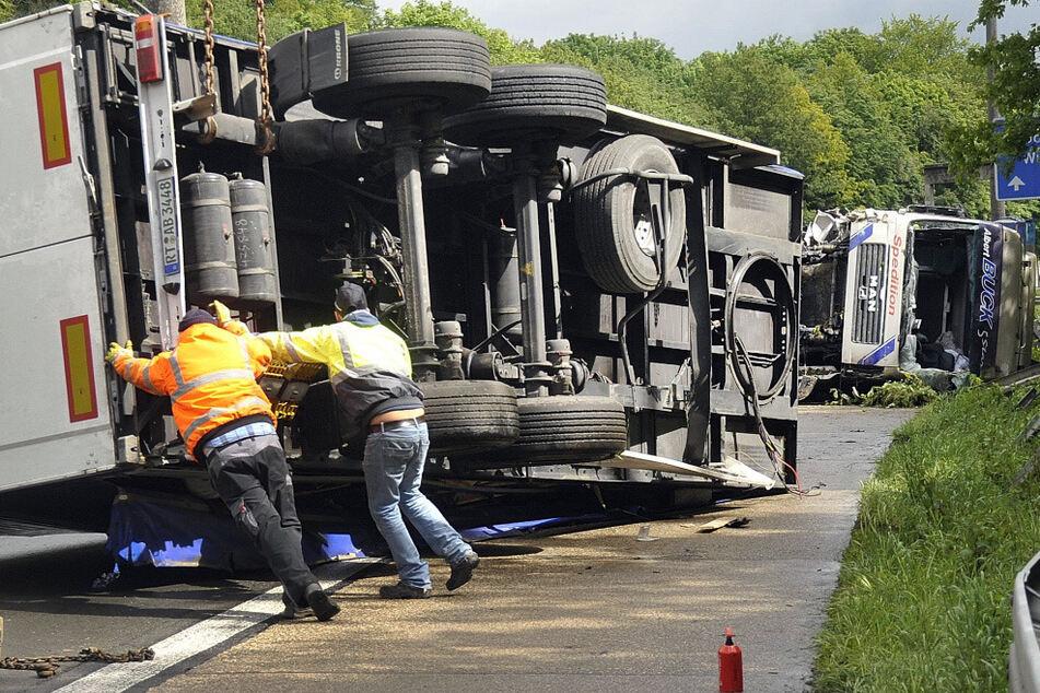 Auf der A46 kommt es zum Teil auch zu schweren Unfällen. (Foto: Holger Battefeld dpa/lnw)