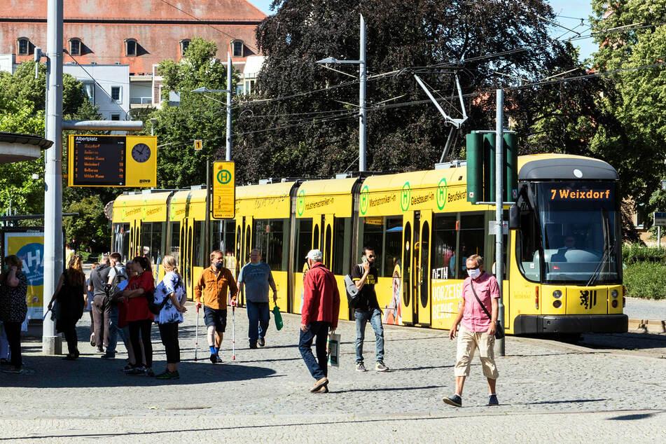 Die durch Corona eingebrochenen Fahrgastzahlen werden erst 2024 wieder das Niveau von 2019 erreichen.