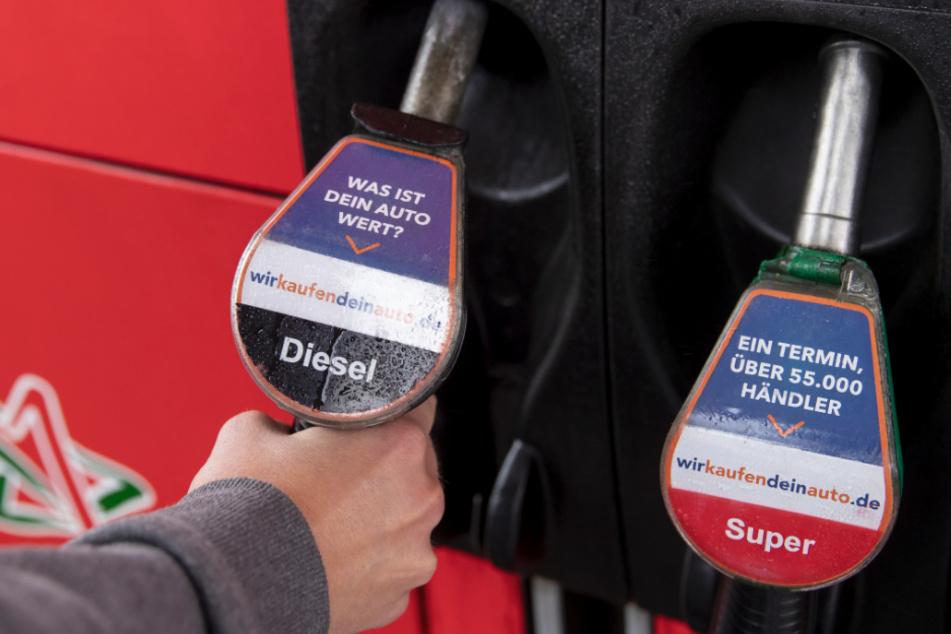 Fallen die Preise an der Tankstelle jetzt noch weiter?