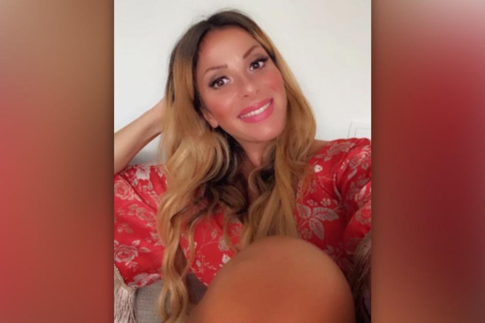 Gülcan Kamps (38) muss sich wegen ihres wachsenden Babybauchs bald von ihrem Verlobungsring trennen.