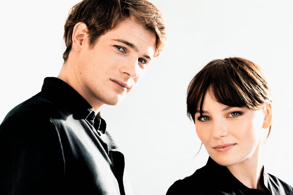 """Devrim Lingnau (23) als Sisi und Philip Froissant (27) als Franz-Joseph sind die Darsteller der neuen Netflix Serie """"The Empress""""."""