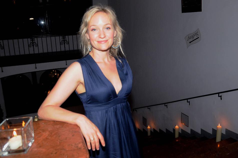 Die Salzburger Schauspielerin Eva Herzig (48) wurde offenbar entlassen, weil sie keine Corona-Impfung will.