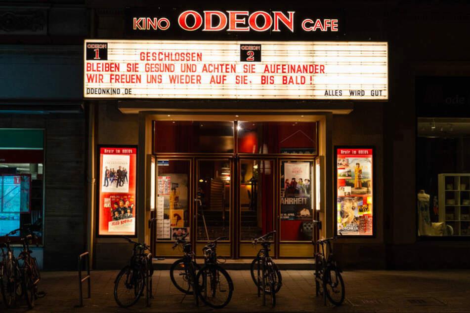 Hoffnung für Film-Fans: Bei einer Sieben-Tage-Inzidenz unter 100 dürfen ab kommenden Montag auch Kinos öffnen. (Archiv)