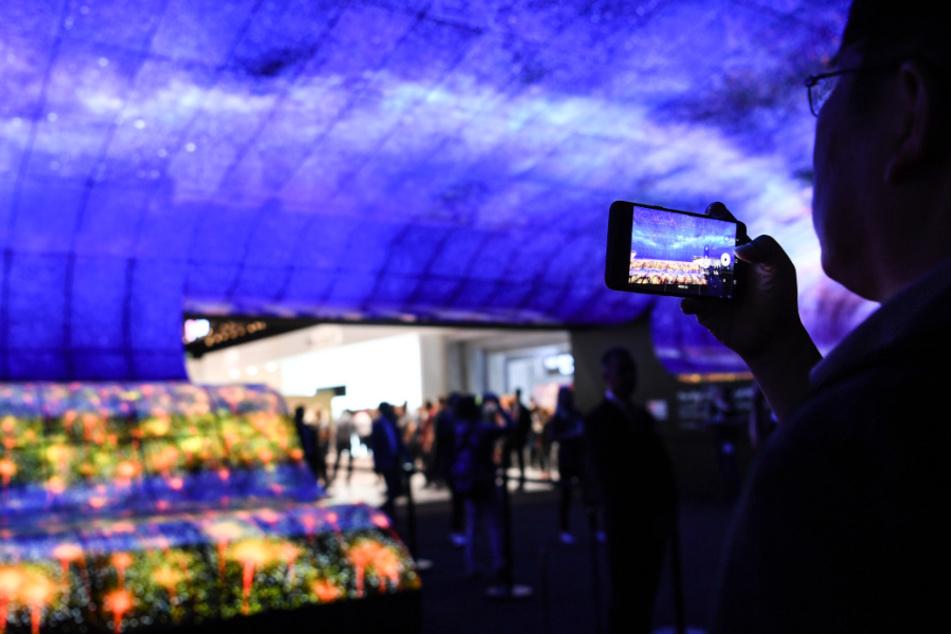 Berlin 2019: Besucher gehen am ersten Publikumstag über die Technik-Messe IFA. (Archivbild)