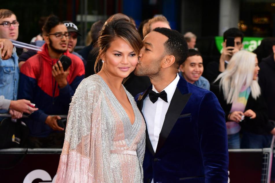 Chrissy Teigen (34) and her husband John Legend (41) in London in 2018.