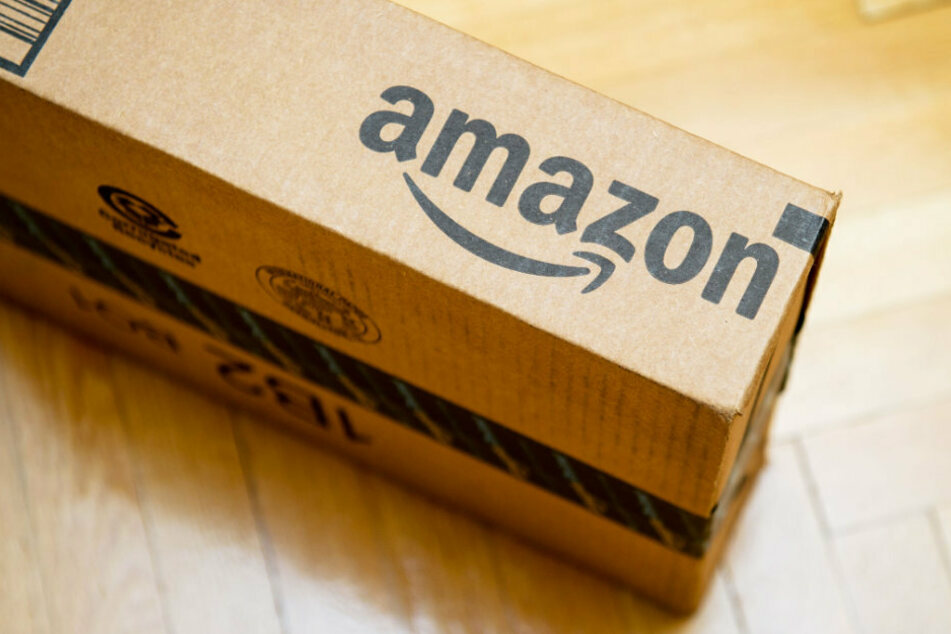 The Amazon logo should now include a suggestive wink to go with the smile.