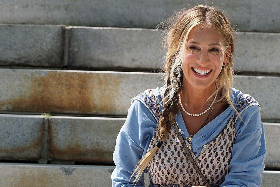 Sarah Jessica Parker reveals Sex and the City revival's premiere month in teaser