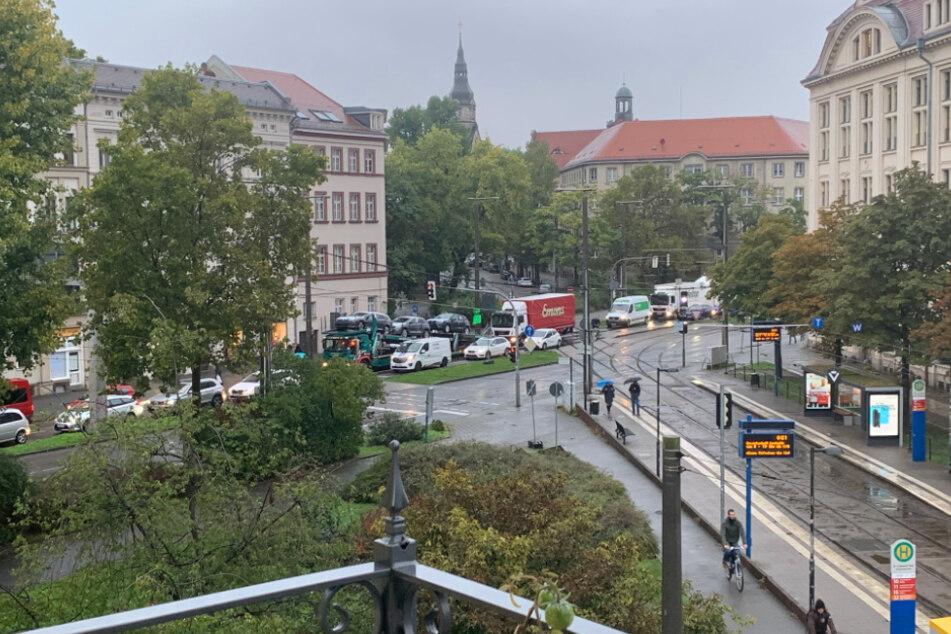 Die Haltestellen sind wie leergefegt, die Leipziger steigen auf das Auto oder mutig auf das Fahrrad um.