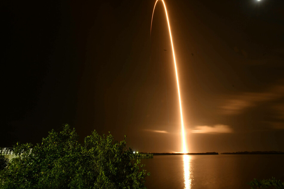 SpaceX ready to send first all-civilian crew on three-day orbit of Earth!