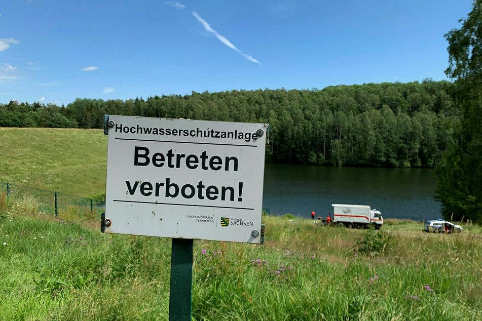 Das Baden ist in dem Rückhaltebecken streng verboten.