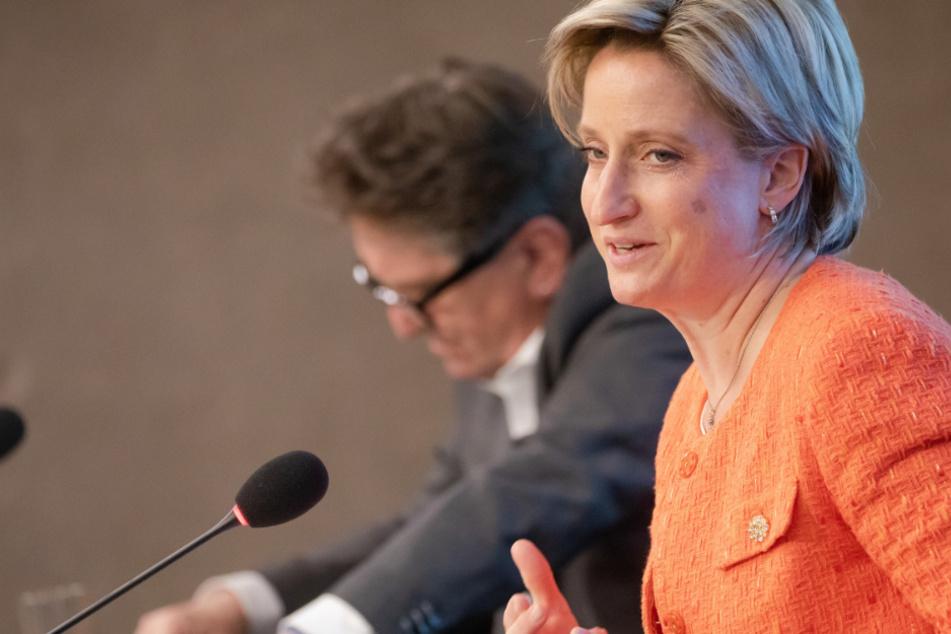 Azubi-Plätze sichern: Wirtschaftsministerin fordert Prämie für Betriebe