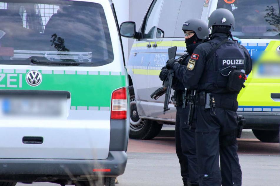Randale in Flüchtlings-Unterkunft bei Schweinfurt: Polizist gebissen, 16 Festnahmen