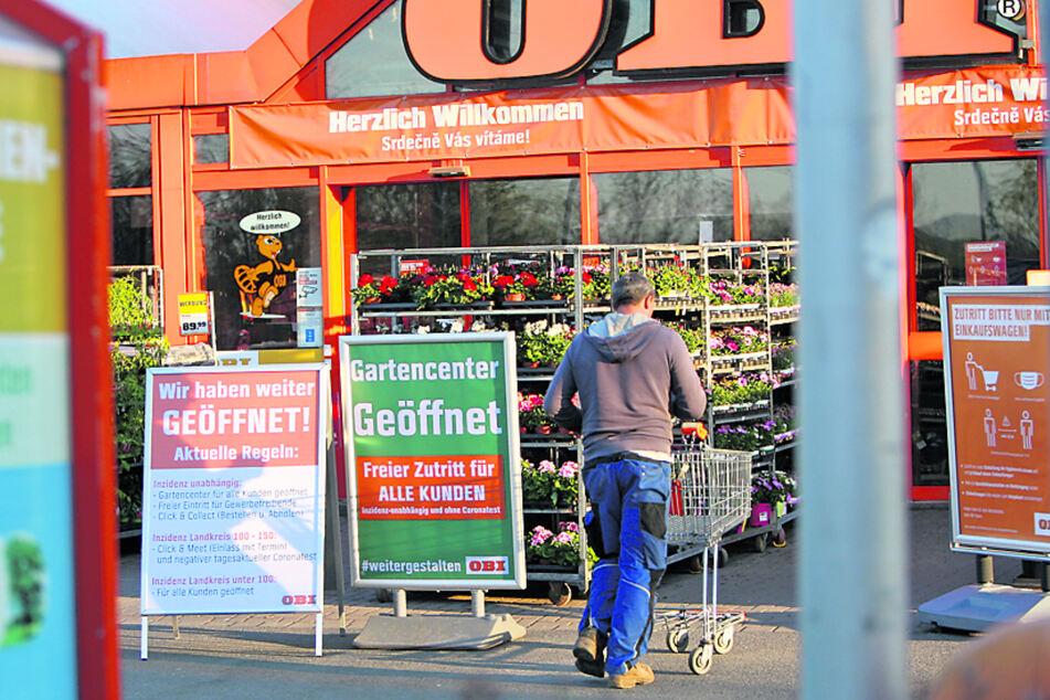 Ab sofort wieder offen: Gartencenter von Baumärkten (hier Obi in Pirna).