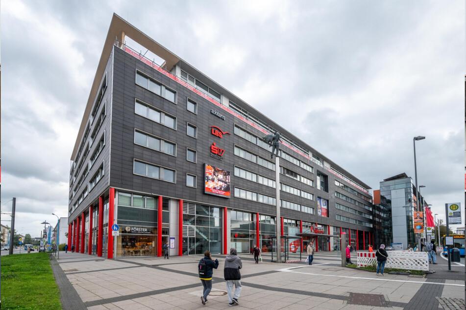 """Der Streit zwischen Sparkasse Chemnitz und """"Freie Sachsen"""" ist ein Fall für das Verwaltungsgericht Chemnitz."""