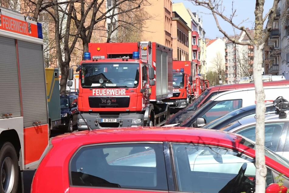 Die Feuerwehr war zwischenzeitlich mit rund 60 Einsatzkräften vor Ort.