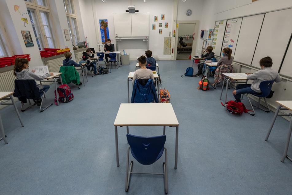 Wie geht es an den Schulen weiter? Am Donnerstag sollen neue Infos kommen. (Archiv)