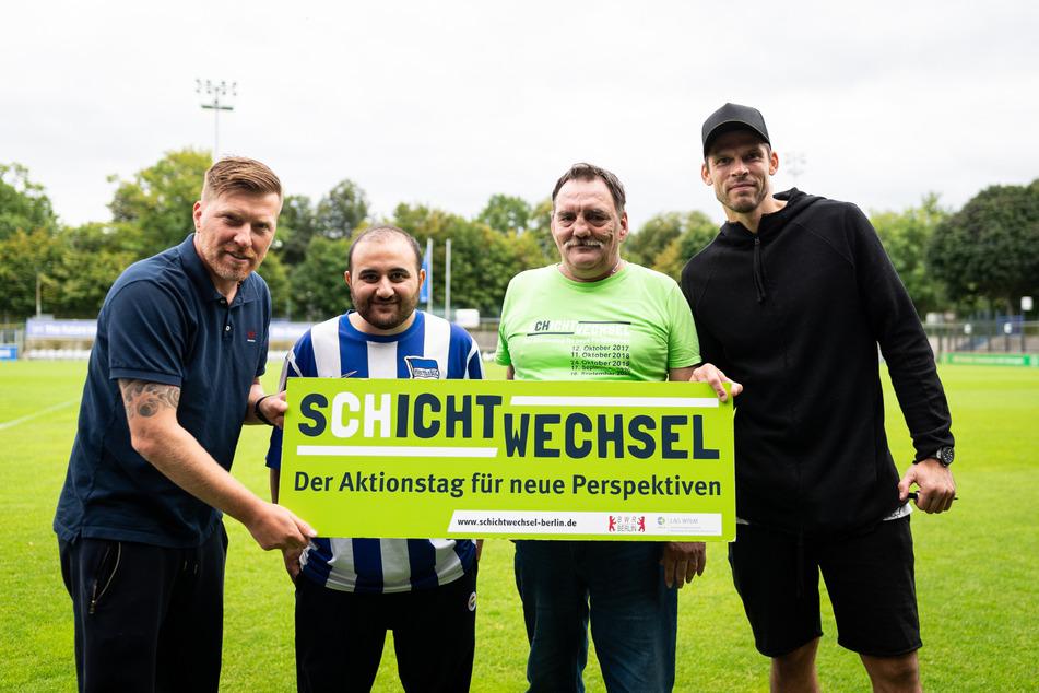 Die Besucher von Hertha BSC durften Co-Trainer Zecke Neuendorf (46, l.) und Torwart Rune Jarstein (36, r.) mit Fragen durchlöchern.