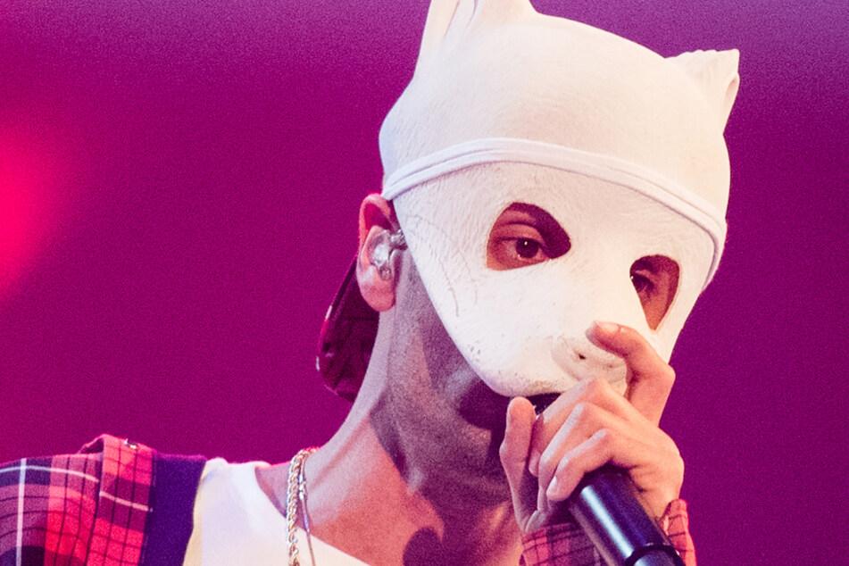 Cro zieht Panda-Maske ab und bringt neuen Song raus!