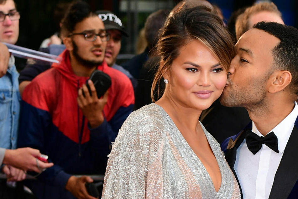 """We will always love you"": Chrissy Teigen and John Legend mourn the loss of their unborn child"