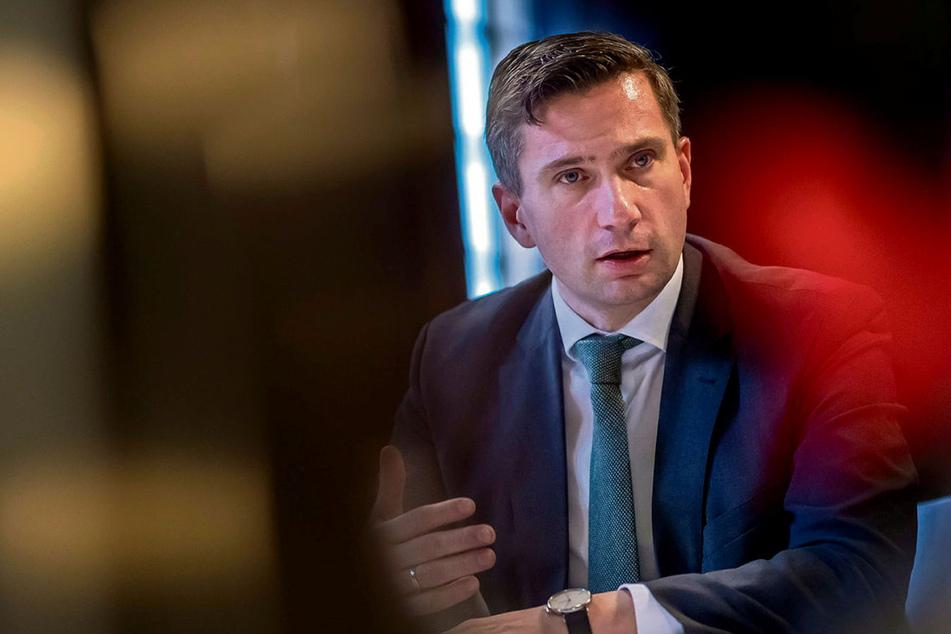 """Auch Minister Dulig seit Monaten nicht beim Friseur: """"Fühle mich ein wenig pelzig!"""""""