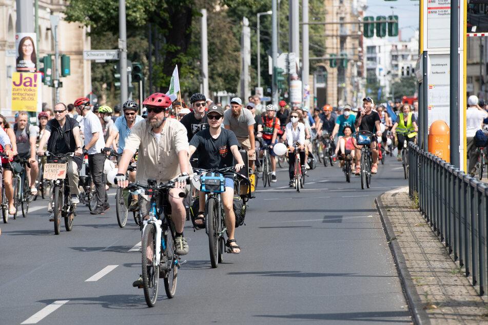 In Deutschland gibt es immer wieder Fahrrad-Demos zur Verbesserung der Verkehrssituation für Zweiräder.