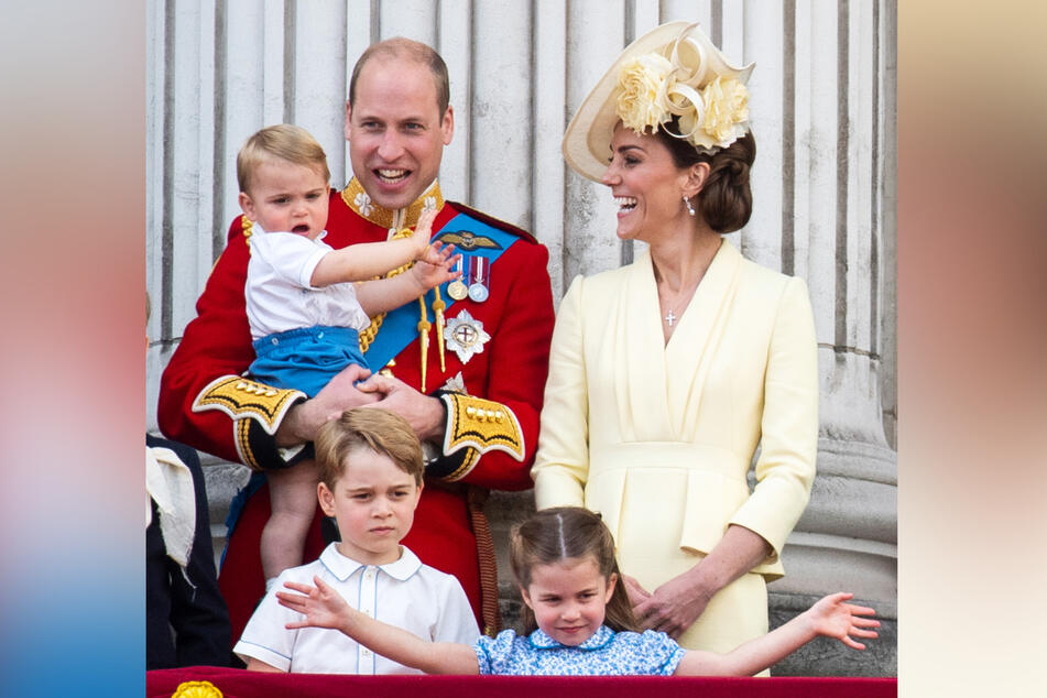 Die ganze Familie zusammen: Prinz William (37, l.), Prinz Louis (2, auf dem Arm), Kate (38), Prinz George (6, l.) und Prinzessin Charlotte (5, r.). (Archivbild)