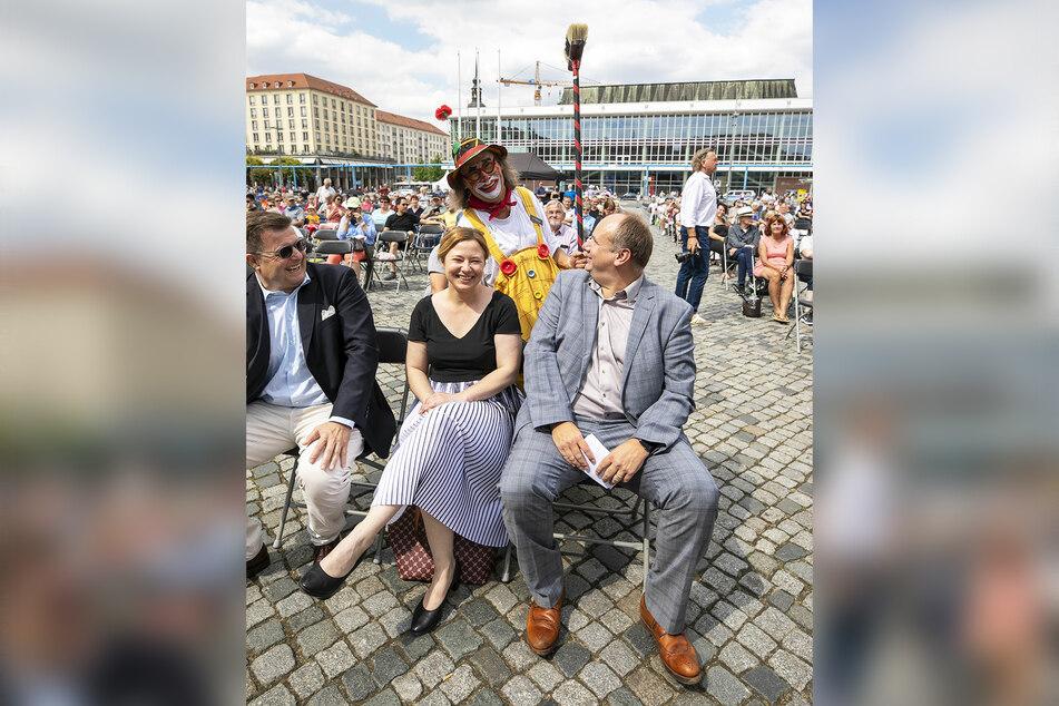 OB Dirk Hilbert (r., 48, FDP) genoss das Programm am Samstag in erster Reihe.