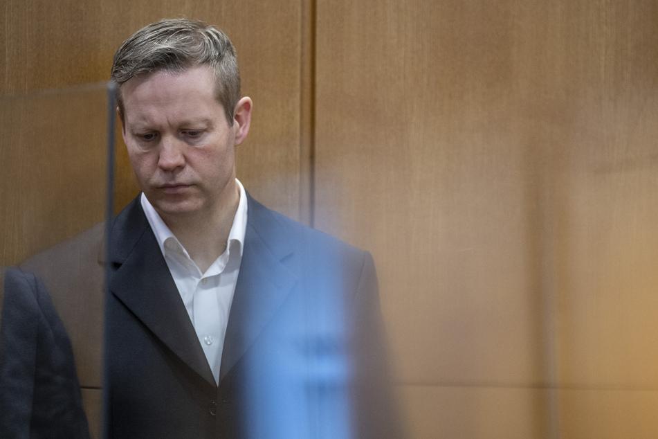 Der wegen des Mordes an dem nordhessischen Regierungspräsidenten Walter Lübcke zu lebenslanger Haft verurteilte Stephan Ernst vor einer Verhandlung am Oberlandesgericht Frankfurt.