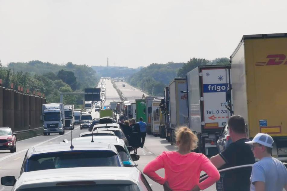 Seit dem Mittag geht auf der Autobahn 9 bei Leipzig nichts mehr.