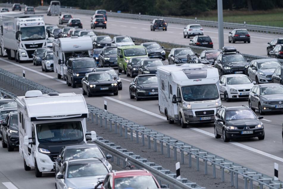 Auf den Thüringer Autobahnen kann es am Wochenende vermehrt zu Staus kommen (Symbolbild).