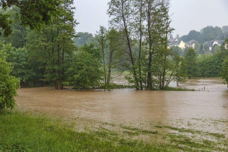 Dauerregen sorgt für Hochwasser-Gefahr in Sachsen: Erste Warnstufen erreicht
