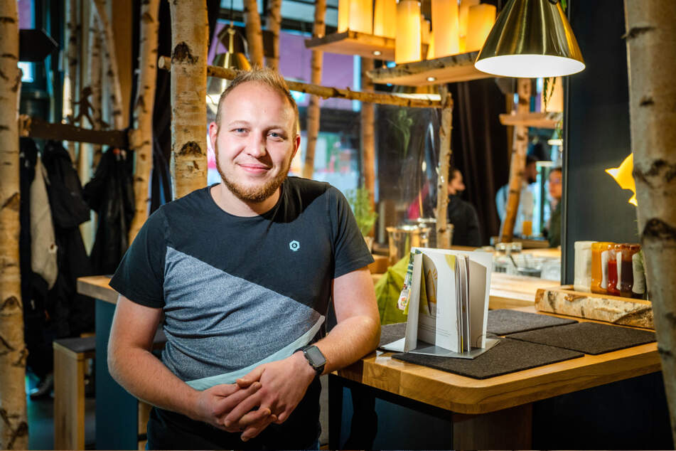 """Auch """"Hans im Glück""""-Chef Martin Kaufmann (32) spricht sich gegen die 2G-Regelung aus."""