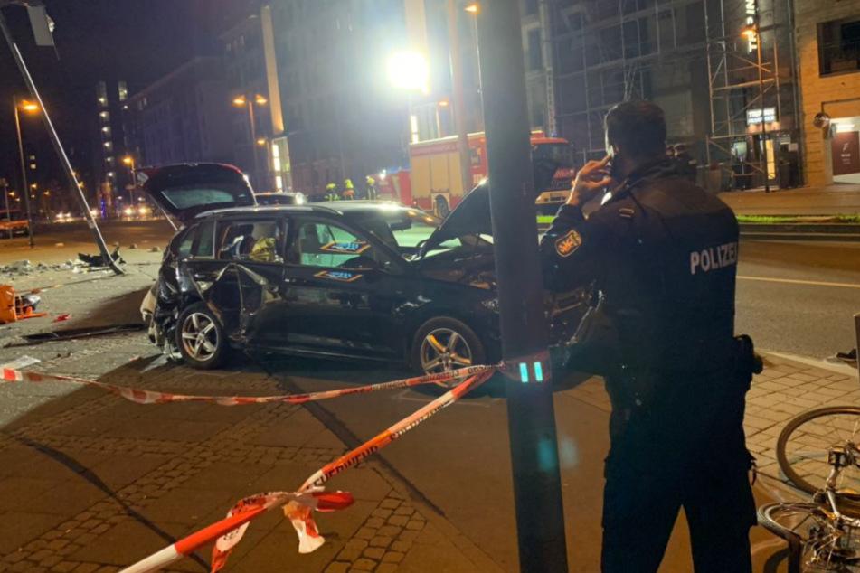 SUV erfasst Fußgänger in Frankfurt: Zwei Tote