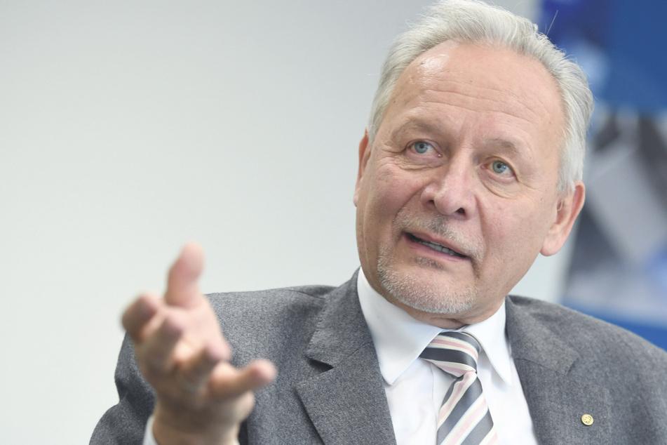 Der Präsident des baden-württembergischen Industrie- und Handelskammertages (BWIHK), Wolfgang Grenke, aufgenommen während eines Gesprächs mit der Deutschen Presse-Agentur. (Archivbild)