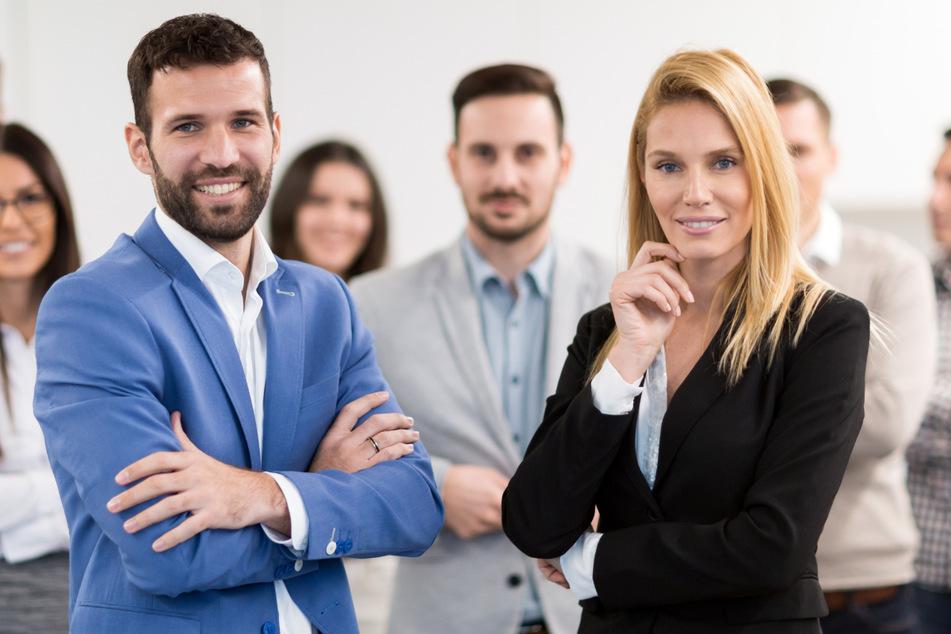 Lieber einen Chef oder eine Chefin? Umfrage liefert dieses Ergebnis!
