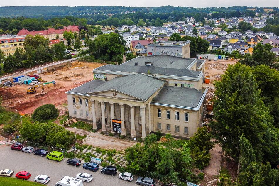 Im Kulturpalast, im beliebten Ortsteil Rabenstein, entstehen exklusive Wohnungen.