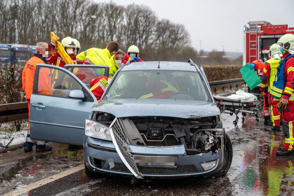 Unfall A4: Starker Schneeeinbruch führt zu schwerem Unfall auf A4
