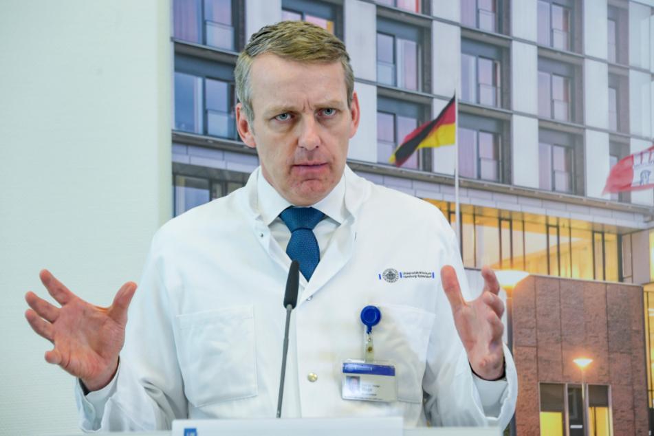 Prof. Stefan Kluge rechnet mit einer Infizierten-Welle Anfang April.