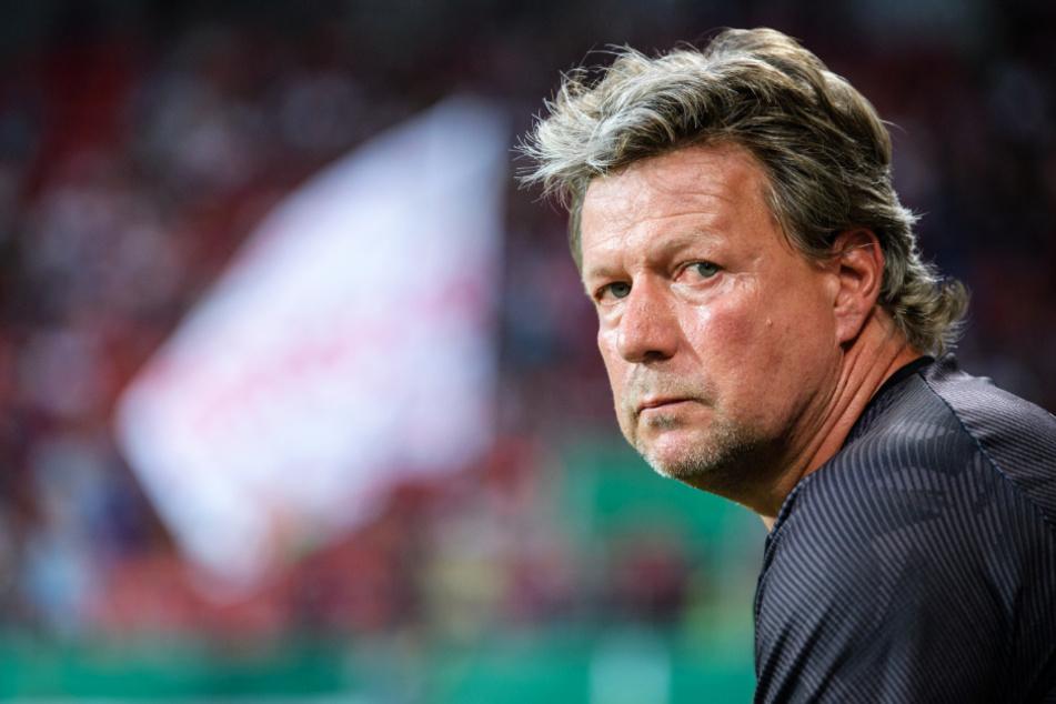 FCK-Coach Jeff Saibene und die Roten Teufel verpassten gegen Magdeburg den erhofften Heimsieg. (Archivbild)