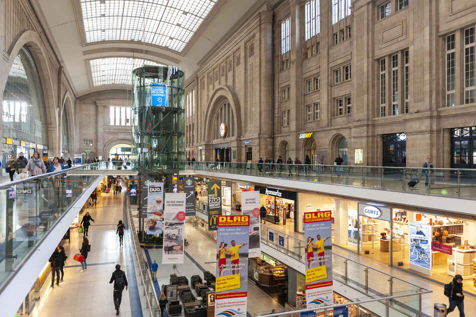Am Freitag versuchte eine Frau am Hauptbahnhof, Schmuck mitgehen zu lassen. (Archivfoto)