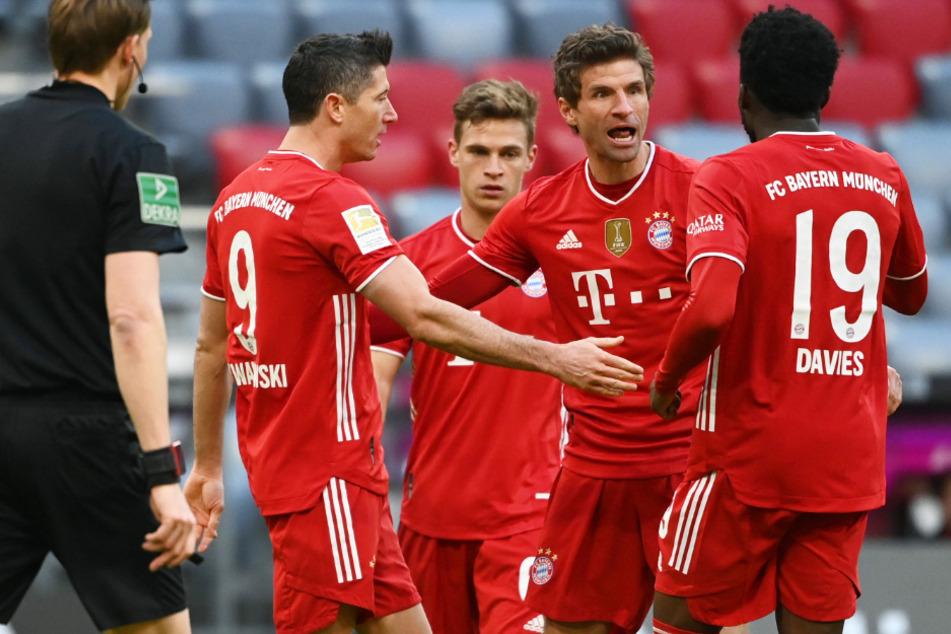 Thomas Müller (2.v.r.) steuerte beim deutlichen 5:1-Sieg des FC Bayern München gegen den 1. FC Köln am 23. Spieltag der Bundesliga eine Vorlage bei.