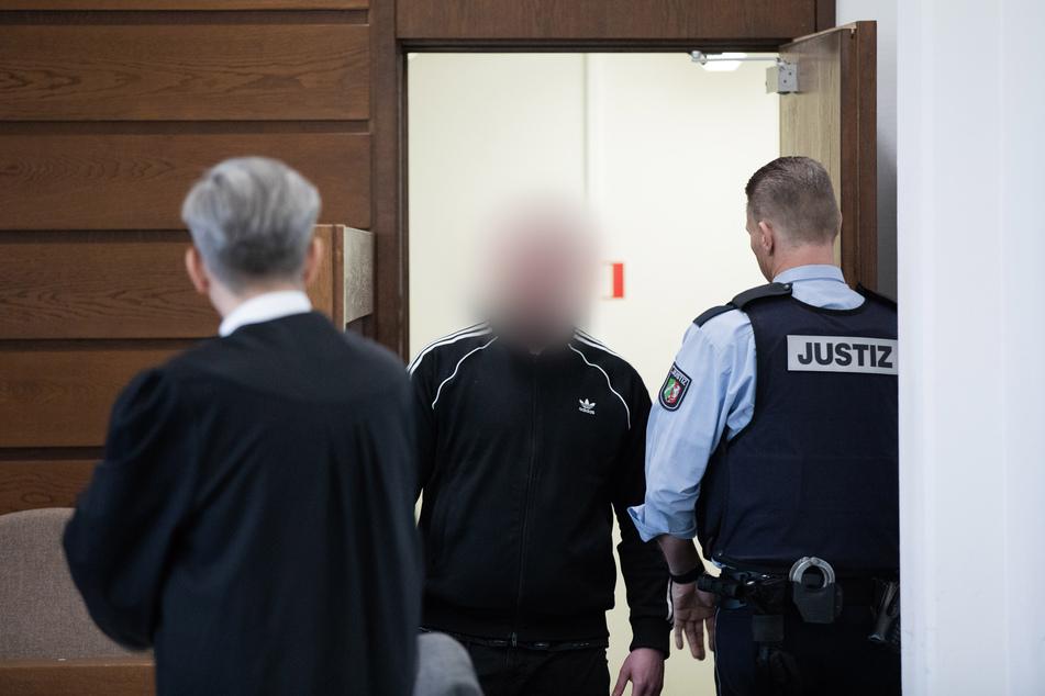 Mord und Totschlag mit Messer und Grillgabel: Anklage vor Kölner Gericht