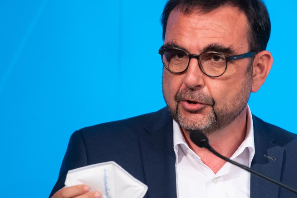 Klaus Holetschek (56, CSU), Gesundheitsminister Bayerns, schlug eine steuerliche Freistellung aller Zuschläge der Pflegekräfte vor.