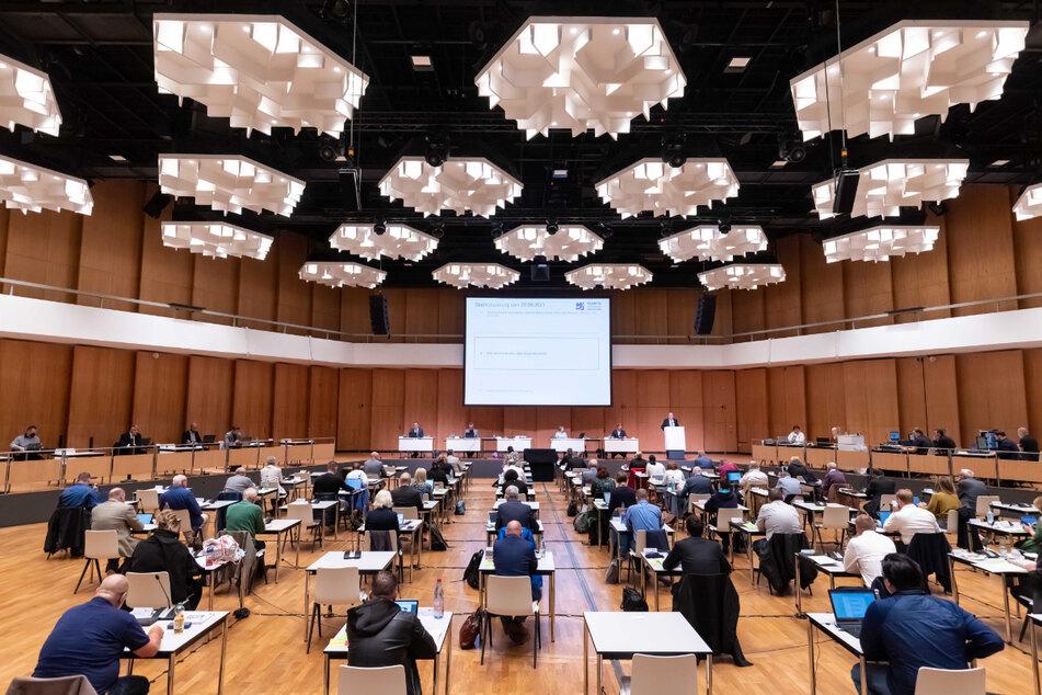 Der Chemnitzer Stadtrat tagte am Mittwoch das erste Mal seit der Sommerpause. Und es gab offensichtlichen Redebedarf.