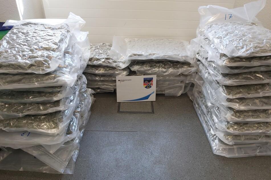 Die Bundespolizei hat am Dienstagmorgen einen mutmaßlichen Drogenschmuggler mit 34 Kilogramm Drogen im Kofferraum gefasst.