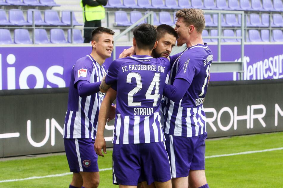 Jubel beim FCE: Erzgebirge Aue drehte einen 0:1-Rückstand in einen 2:1-Sieg!