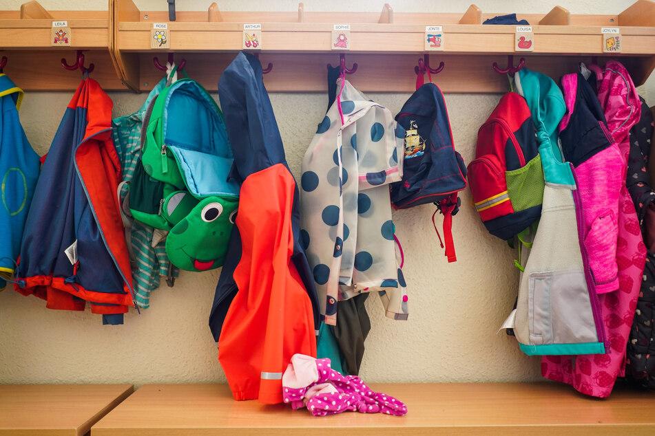 Berliner Kitas bieten ab Montag wieder für alle Familien und Kinder ein Betreuungsangebot an.