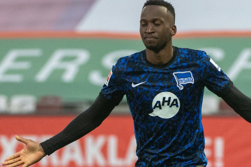 Dodi Lukebakio jubelt über seinen Treffer zum 2:0.